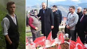 Bakan Gül şehit Eren Bülbülün mezarını ziyaret etti