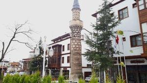 Yanan caminin asırlık minaresi Elmalının simgesi oldu