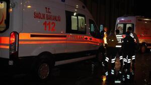 TIRın çarptığı otomobildeki 4 kişi yaralandı
