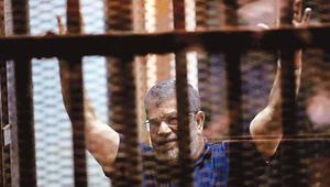 Mursi ile Mübarek ilk kez mahkemede yüzleşti
