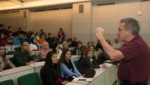 Akademisyenlerden öğretmenlere ders: Rehber Öğretmenler Akademisi