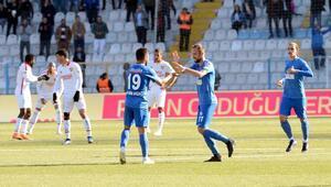 Erzurumsporda gol yükünü defans ve orta saha çekti