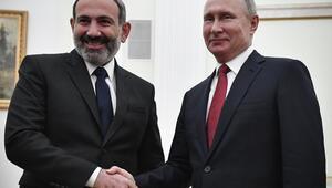 Putin ile Paşinyan Rusyada görüştü