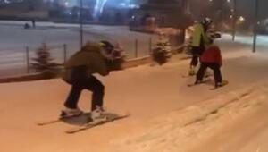 Erzurumlu kayakçılar şehre indi