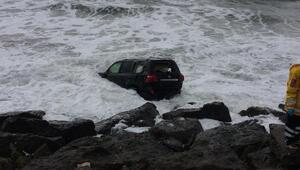 Trabzonda cip denize uçtu: 2 yaralı