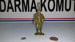 Eskişehirde tarihi bronz heykelcik ve sikkeler ele geçirildi