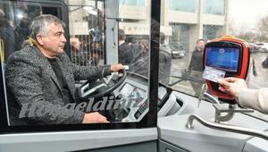Toplu taşımada kredi kartıyla binişe kampanya