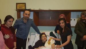 Cizre'de yeni yılın ilk bebeği Nur oldu