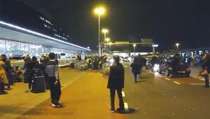 Hollanda'nın Amsterdam şehrindeki Schiphol Havalimanı'nda terör alarmı verildi.