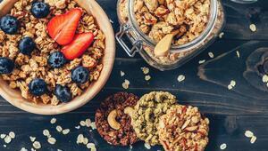 İster Kahvaltıda İster Ara Öğünde: Granola Tarifi