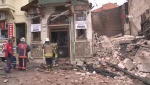 Fatih Yedikulede bina çöktü