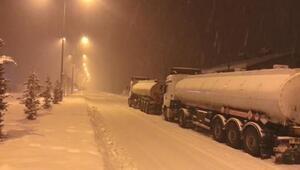 Kahramanmaraşta ulaşıma kar engeli, Göksunda okullar tatil edildi
