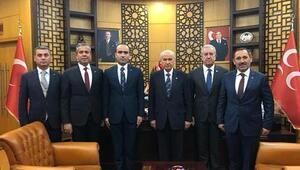 MHP'li adaylar  Bahçeli'yi ziyaret etti