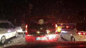 Karabükte kar ulaşımı durdurdu