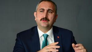 Adalet Bakanı Gülden flaş açıklamalar FETÖye kara paradan soruşturma
