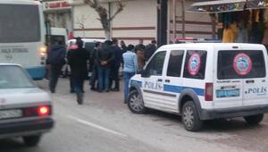 Son dakika... Gaziantepte erkek tarafı pompalı tüfeklerle kız evini bastı, çatışma çıktı: 18 yaralı