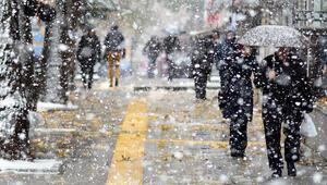 Ankarada yarın okullar tatil mi Valilikten açıklama geldi