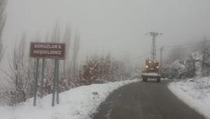 Kirazda kar yağışı nedeniyle 13 köy yolu ulaşıma kapandı
