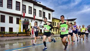 9. Uluslararası 5 Ocak Adana Kurtuluş Yarı Maratonu ve Halk Koşusu tamamlandı