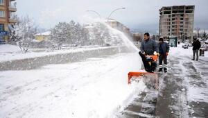 Kahramankazan'da kar çalışmaları