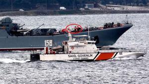 Rus savaş gemisi  Çanakkale Boğazından geçerken dikkat çeken detay
