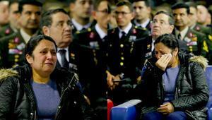 Görüntüleri izledi, gözyaşlarına boğuldu