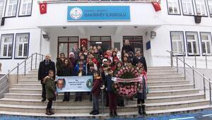 Mezun olduğu okulun öğrencileri, Münir Özkul'u andı