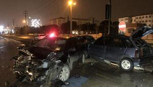 Kırmızı ışıkta durmayan otomobil dehşet saçtı