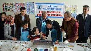 Engelli çocukların ebru sanatı heyecanı