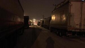 Kar ve buzlanma nedeniyle karayolları büyük araç geçişlerine kapatıldı