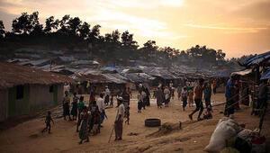 Myanmar Bangladeş sınırında tarafsız bölgede beton engel inşa ediyor