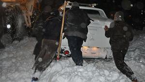 Donmak üzere olan 50 kişi son anda kurtarıldı