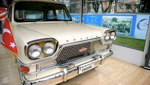 Türkiyenin ilk yerli otomobilinin sergilendiği müzeye ziyaretçi akını