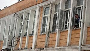 Turhal Belediyesi personeli, güvercinlere sahip çıktı