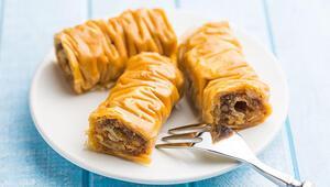 Burma tatlısı nasıl yapılır Hazır yufka ile burma tatlısı tarifi