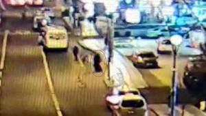 Taksici fark etti... Elindeki kılı görüp polise ihbar etti