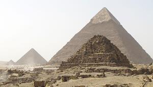 KGB de piramitleri araştırmış