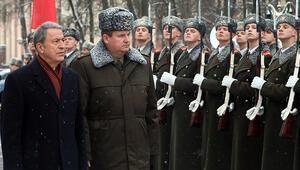 Milli Savunma Bakanı Akar Belarusta