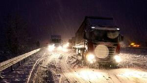 Tosyada D-100, kamyon ve TIRlara kapandı