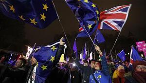 Son dakika... İngiltere Parlamentosu Brexit oylamasını reddetti
