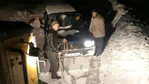 Burası İzmir Kar kalınlığı yarım metreyi aştı