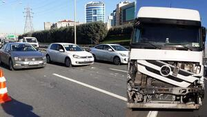 İstanbulu kilitleyen zincirleme kaza