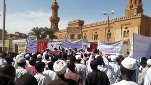 Sudanda eylemcilerin öldürülmesi protesto edildi