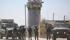 İsrail, 100 Filistinli mahkumu yaraladı