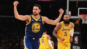 LA Lakersı Klay Thompsonın üçlükleri yıktı