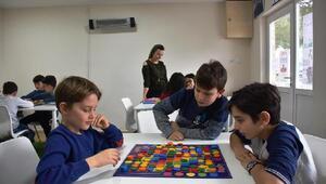 Akıl ve Zeka Oyunları etkinliği Çocuk Kulübü'nde devam ediyor