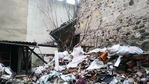 Son dakika: İzmirde tarihi bina çöktü... AFAD bölgeye sevk edildi