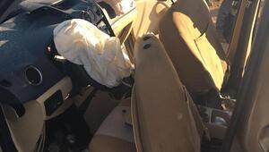 Kamyon ile hafif ticari araç çarpıştı: 7 yaralı