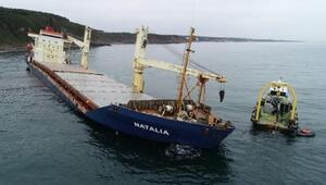 Şilede karaya oturan gemi 37 gündür kurtarılmayı bekliyor