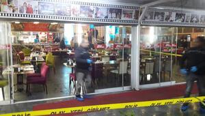 AK Parti Seyhan adayı Yeni, bacağından bıçaklandı